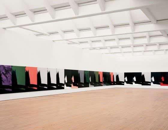 Andy Warhol. Sombras (Shadows), 1978-79. Dia Art Foundation. Vista de la instalación en Dia: Beacon, Beacon, Nueva York. © 2015, The Andy Warhol Foundation for the Visual Arts, Inc. / VEGAP. Foto: Bill Jacobson