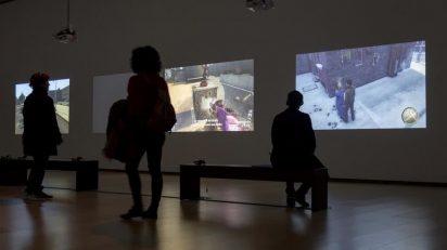 Harun Farocki. Parallel I-IV. Instituto Valenciano de Arte Moderno.