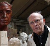 El escultor Julio López Hernández en su estudio. Foto: Luis Martín.