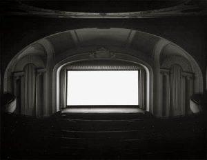 U.A. Playhouse, Nueva York, 1978. Impresión a la gelatina de plata. Hiroshi Sugimoto.