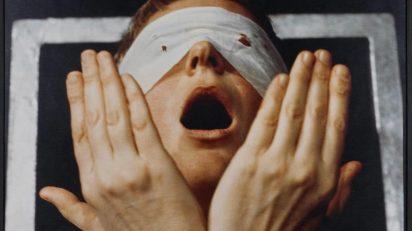 gina pane. Detalle de Action Psyché (1974). Colección IAC, Institut d'art contemporain, Villeurbanne/Rhône-Alpes © ADAGP París © VEGAP, León, 2015-16.