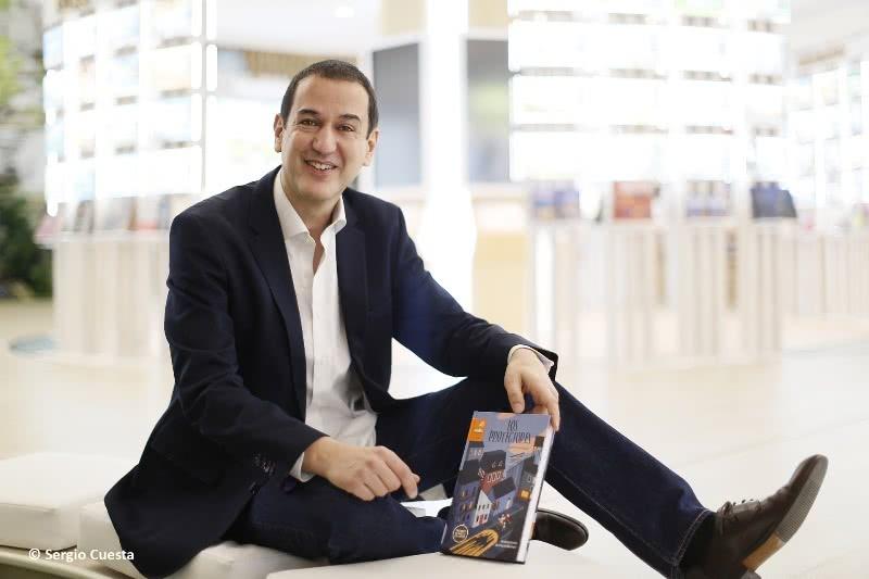 Roberto Santiago.