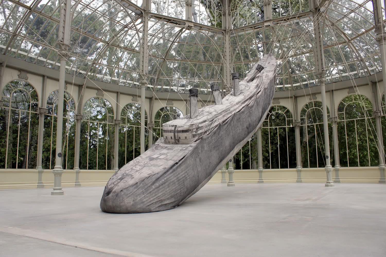 Damián Ortega. El cohete y el abismo. Palacio de Cristal. Museo Nacional Centro de Arte Reina Sofía. 2016. Foto: Luis Martín.