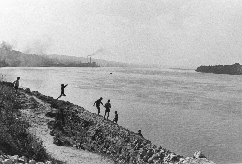 Inge Morath. Yugoslavia. Smederevo. 1958 © Inge Morath Foundation, Magnum Photos.