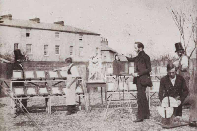 Benjamin Cowderoy o Calvert R. Jones. Vista del Reading Establishment, 1846. Papel a la sal a partir de un negativo de calotipo. Bradford, The Royal Photographic Society Collection at the National Media Museum.