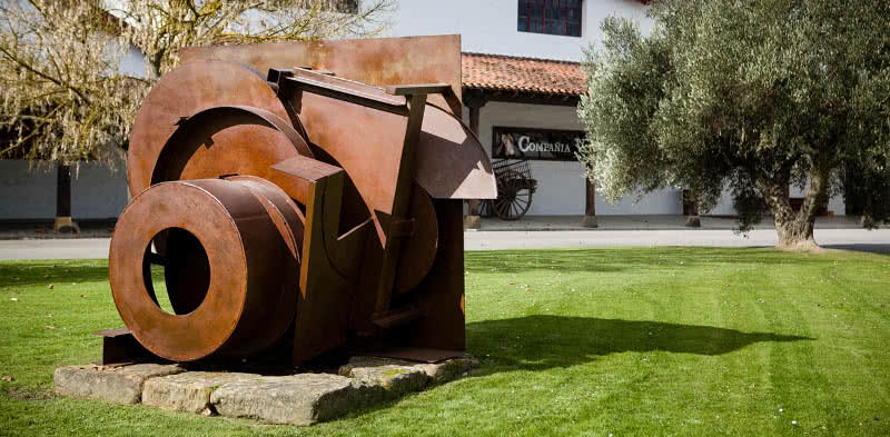 Anthony Caro sculptures at Bodegas CVNE, Haro, La Rioja, Spain. Photo by James Sturcke |www.sturcke.org