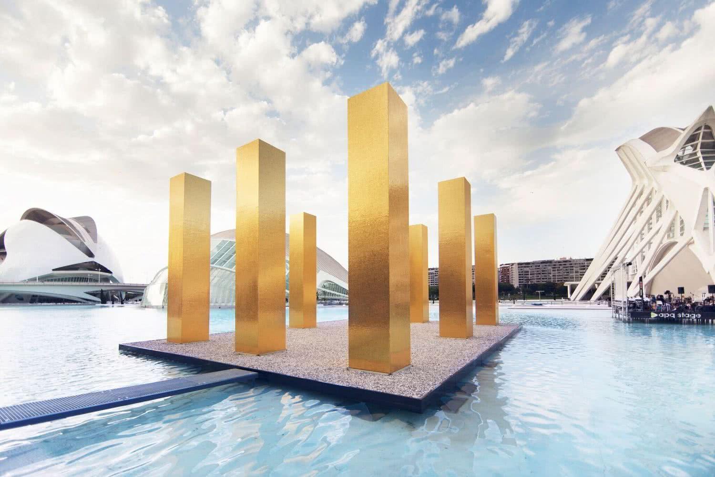 Heinz Mack. <em>The sky over nine columns</em>.