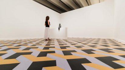 """El peso de un gesto. La mirada de Julião Sarmento a las colecciones Gulbenkian, MACBA y """"la Caixa""""."""