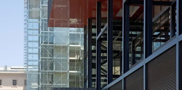 edificio_nouvel_-_fachada_2_0