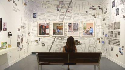 """Hace ya más de treinta años, la Obra Social """"la Caixa"""" convocó el primer certamen FotoPres """"la Caixa"""", que a lo largo de su trayectoria se ha convertido en una referencia internacional en el campo de la fotografía documental, con 300 profesionales premiados y 60 becas para jóvenes fotógrafos."""