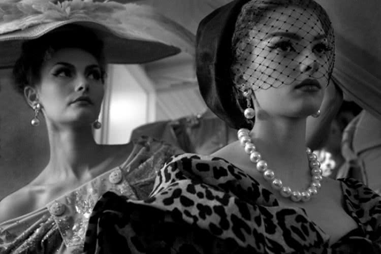 Joséphine Douet. 'Costuras'. Dior / Julio 2009 / Maison Dior.