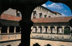 Claustro de la enfermería del Monasterio de Santa María de El Parral.