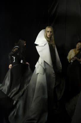 Josèphine Douet Givenchy. Ateliers Berthier, 2007 © Josèphine Douet. Cortesía / Courtesy Mondo Galería.