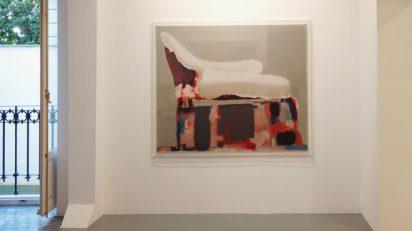 Vista de la exposición 'Chaise-longue' de Simon Edmondson. Galería Álvaro Alcázar.