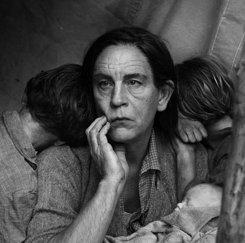 Sandro Miller. Dorothea Lange. Migrant Mother, Nipomo, California (1936), 2014.