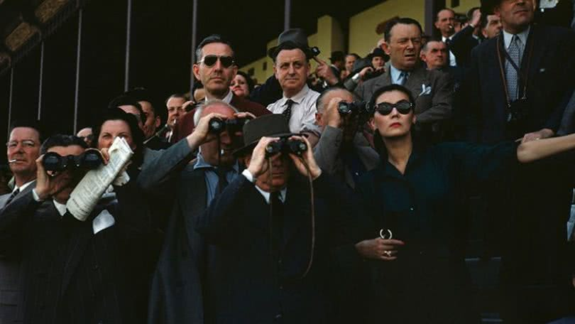 Robert Capa, [Spectators at the Longchamp Racecourse, Paris], ca. 1952. © Robert Capa/International Center of Photography/Magnum Photos.