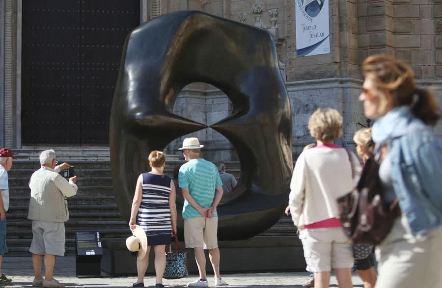 Henry Moore. Arte en la calle. Cádiz.