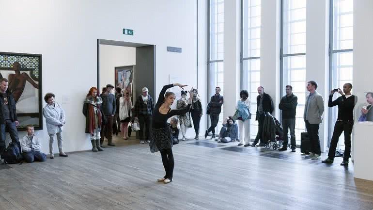 Antonia Franceschi en '20 Dancers for the XX Century', de Boris Charmatz.