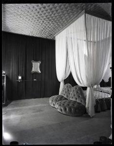 """Casa Devalle, 1939-1940. Carlo Mollino. Politecnico di Torino, Sezione Archivi della Biblioteca """"Roberto Gabetti"""". © Fondo Carlo Mollino."""