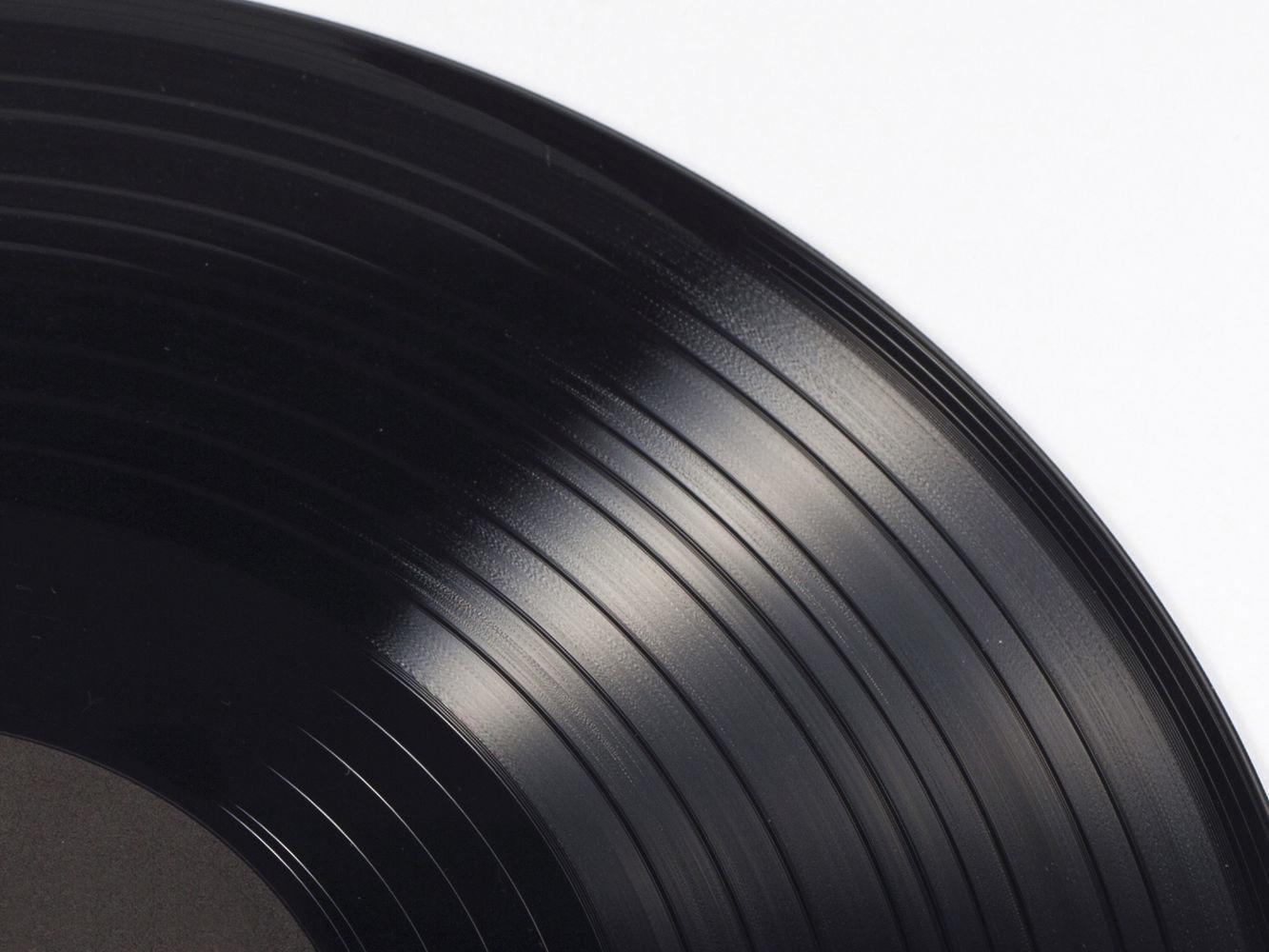 record-vinyl