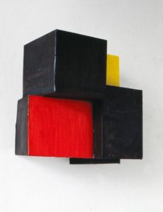 Pello Irazu. Feliz, 1988 Construcción en acero y óleo 22 x 22 x 14 cm Colección particular, Barcelona © VEGAP, Bilbao, 2017.