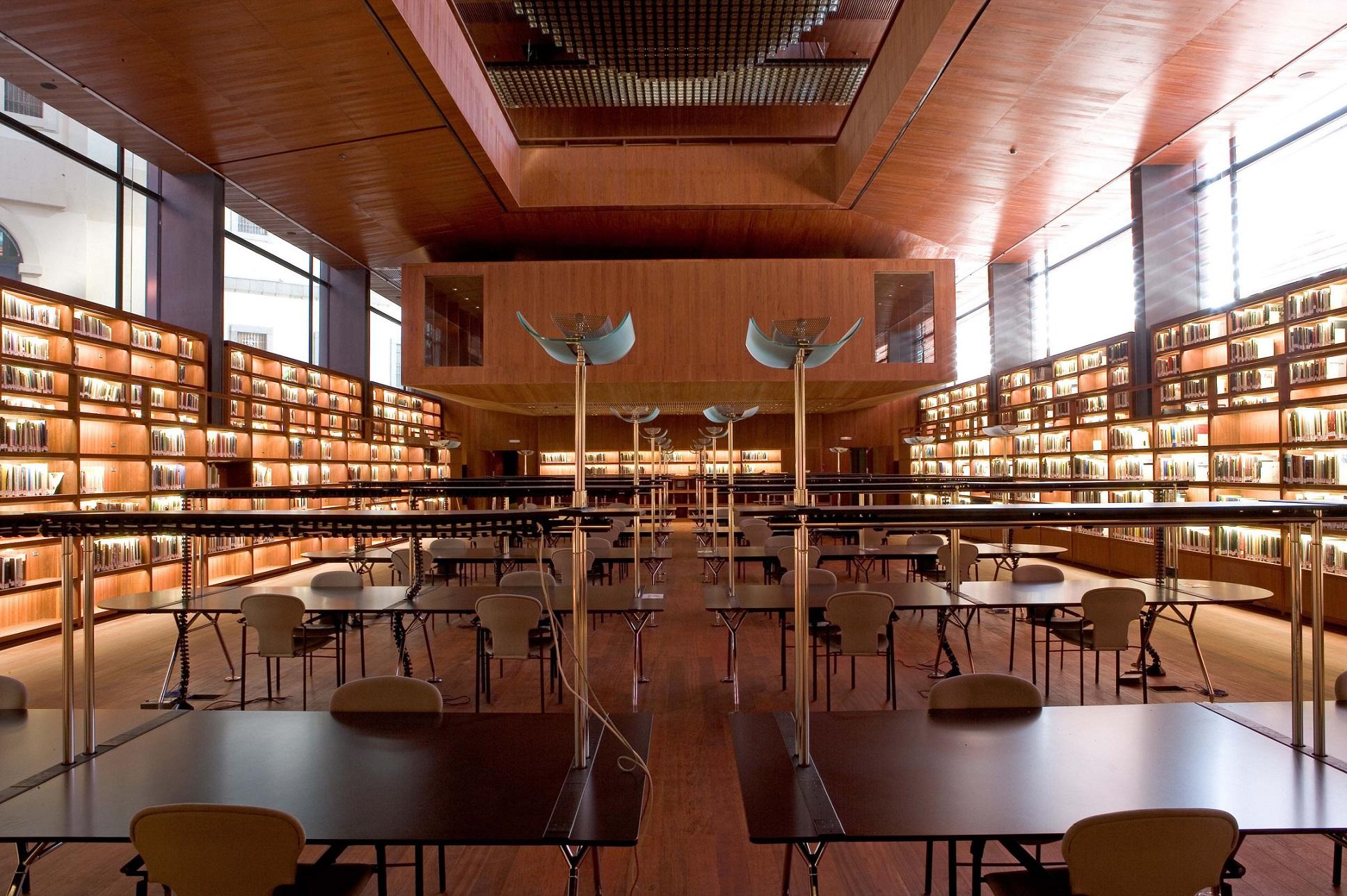 Biblioteca Edificio Nouvel. Museo Reina Sofía.