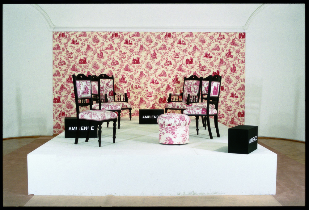 Renée Green. Mise en Scène, Commemorative Toile, 1993. Fotografía de J. Koinegg, Neue Galerie.