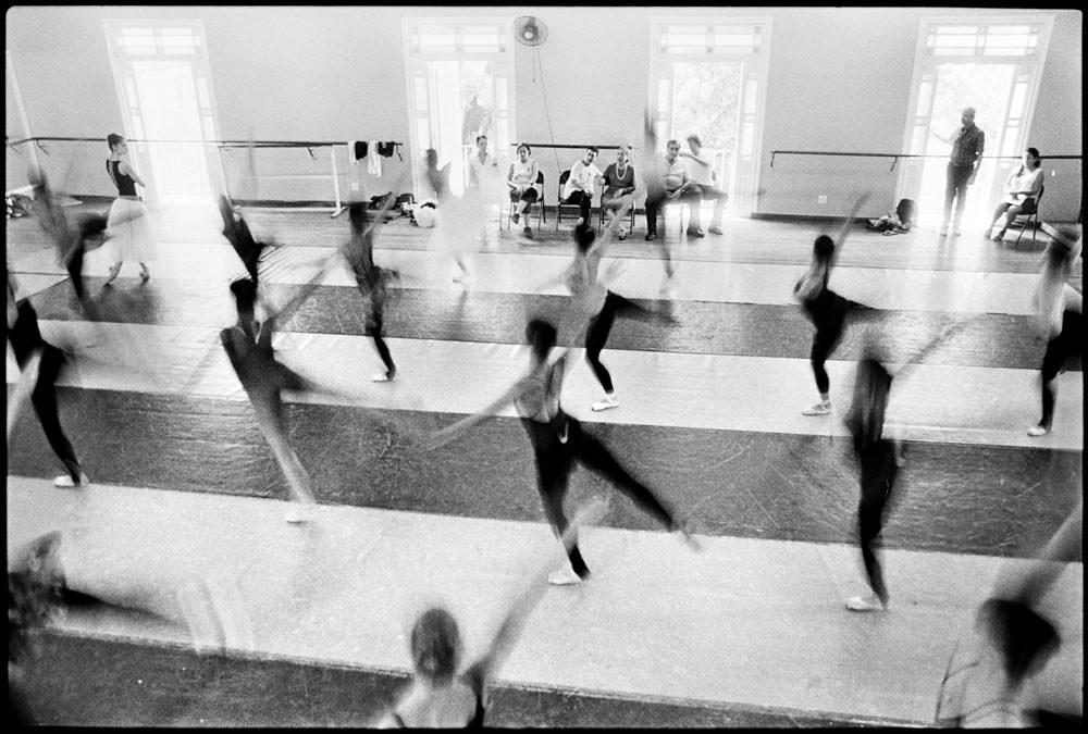 Elliot Erwitt. National ballet, Cuba.
