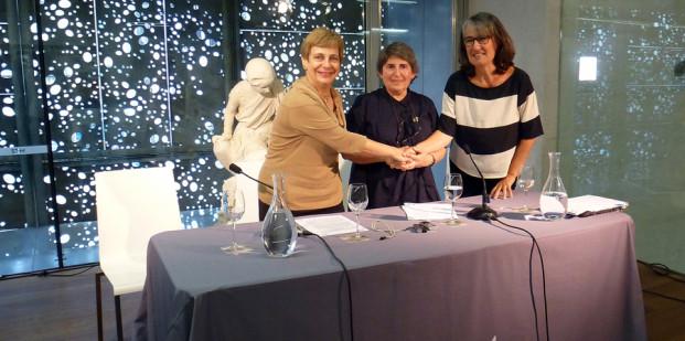 Firma del acuerdo de comodato de la Colección Gabriela Cendoya Bergareche con el Museo San Telmo.