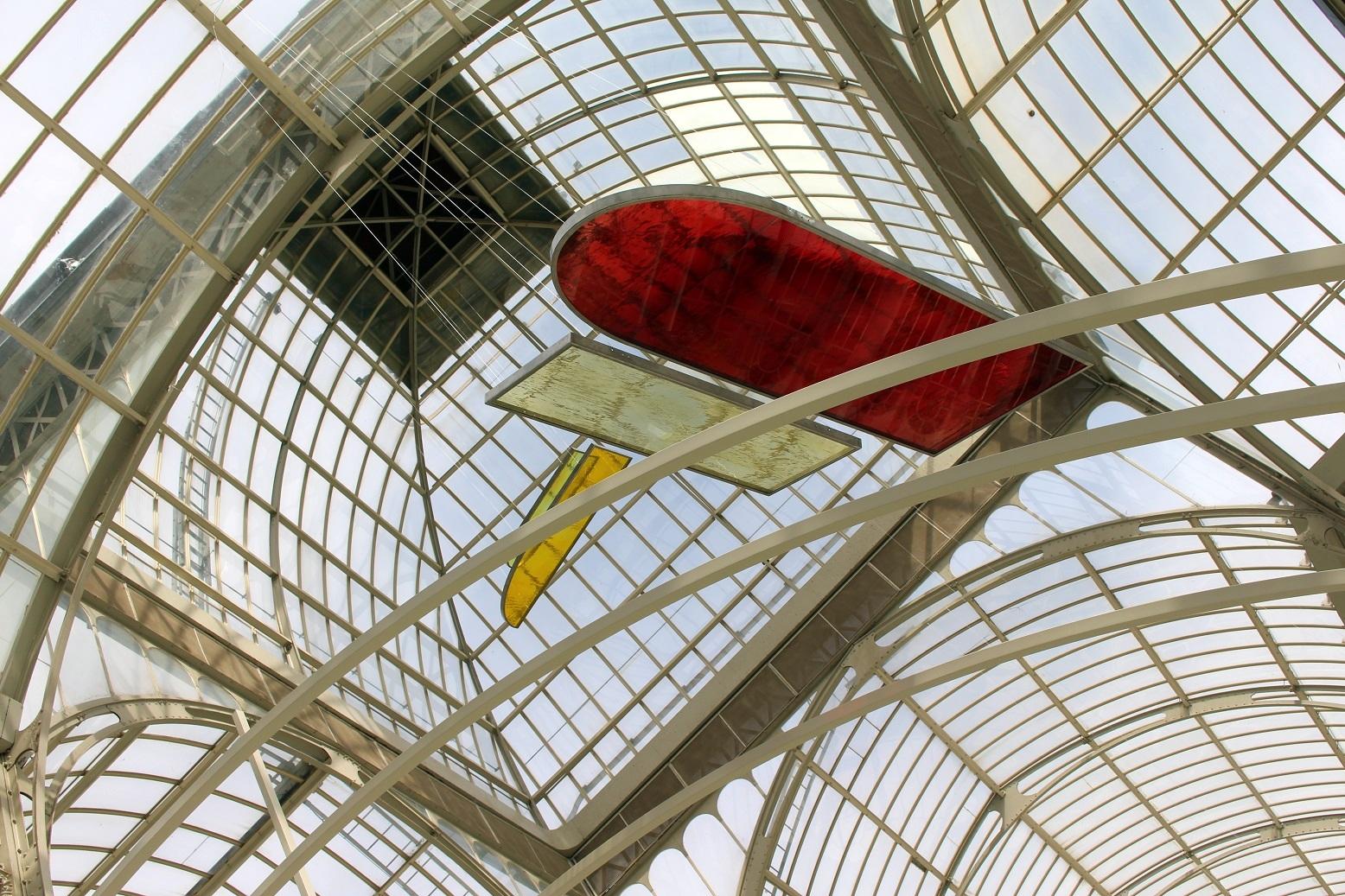 Rosa Barba, Registros de tránsito solar. Palacio de Cristal, Museo Nacional Centro de Arte Reina Sofía. Foto: Luis Martín.