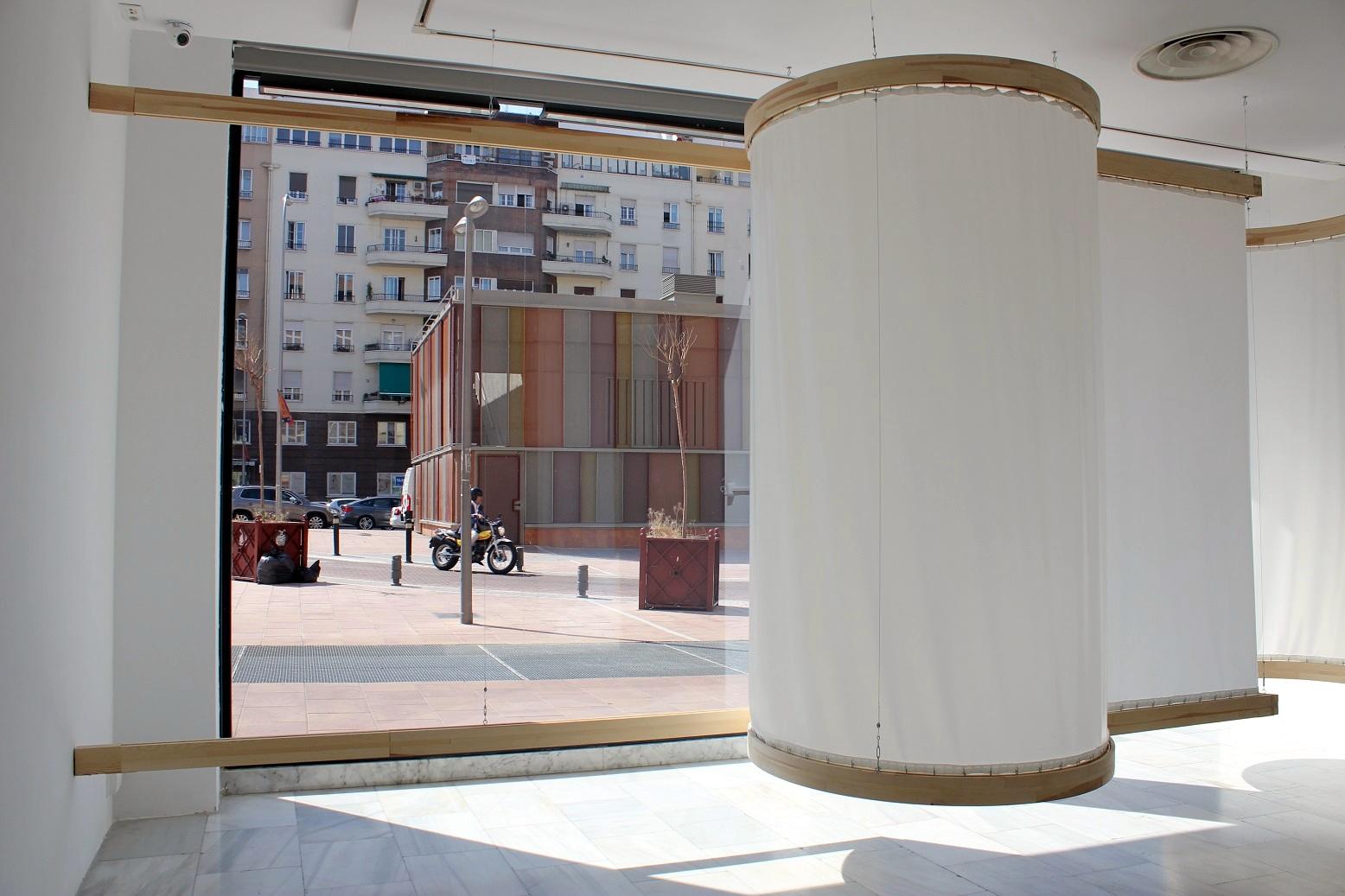 Leonor Serrano Rivas, An ornamental way of moving. Exposición En los cantos nos diluimos. Sala de Arte Joven, Madrid. Foto: Luis Martín.