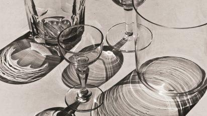 Albert Renger-Patzsch, Cristalería [Gläser], 1926-1927. © Albert Renger-Patzsch / Archiv Ann und Jürgen Wilde, Zülpich / VEGAP, Madrid 2017.