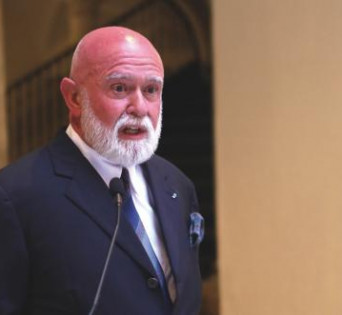 Roberto Polo durante la presentación de su colección en ArsMálaga Palacio Episcopal // S. FENOSA.