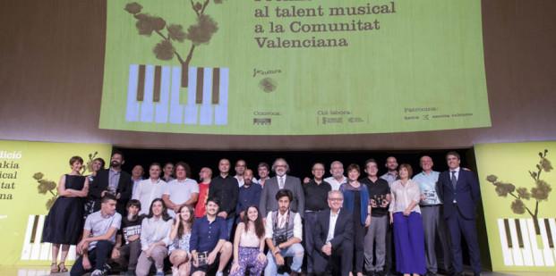 foto-ganadores premios bankia musica valenciana