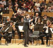 Juan A. Ramírez y la Orquesta Sinfónica del Mediterráneo.