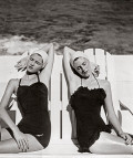 gemelas-en-la-playa-.-nasau-bahamas-1949.-c-louise-dahl-wolfe