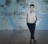 Cristina Lucas con la vídeo-instalación 'El rayo que no cesa'. Foto: Guillermo Gumiel.