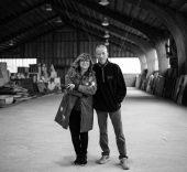 Isabel Coixet y Cai Guo-Qiang en el estudio del artista en New Jersey, USA. Mayo 2017. Foto: Stephanie Yang Chen.