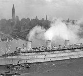 cunard Queen_Mary_1945_NewYork 16x9
