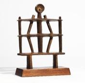 Alberto Giacometti, Homme (Apollon) bronce con pátina marrón-dorada; concebida originalmente en 1929, versión en bronce vaciada entre 1948 y 1956 en una edición de seis.