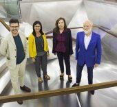 """De izquierda a derecha: Asier Mendizábal, la directora general adjunta de la Fundación Bancaria """"la Caixa"""", Elisa Durán, Elba Benítez y Han Nefkens."""