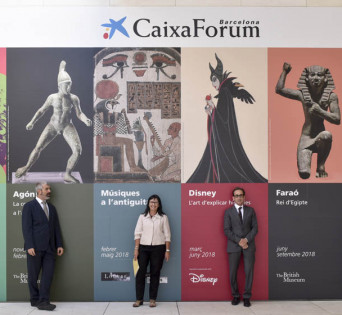 """La directora general adjunta de la Fundación Bancaria """"la Caixa"""", Elisa Durán; el director del Área de Cultura de la Fundación Bancaria """"la Caixa"""", Ignasi Miró, y el director de CaixaForum Barcelona, Valentí Farràs."""