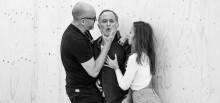 Àlex Rigola destila la esencia de Chéjov en los Teatros del Canal con 'Vania', un proyecto para cuatro actores y 60 espectadores.