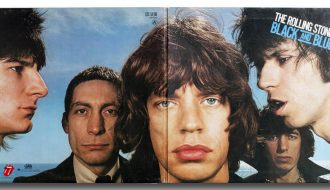 Vinilo: The Rolling Stones, Black and Blue, Rolling Stones Records. COC 59106, Inglaterra, 1976. Fotografía: Hiro. Diseño: Bea Feitler.