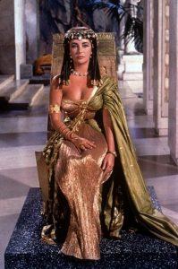 26a360694f7e6e13f091a080ef16bee4--cleopatra-costume-egyptian-costume