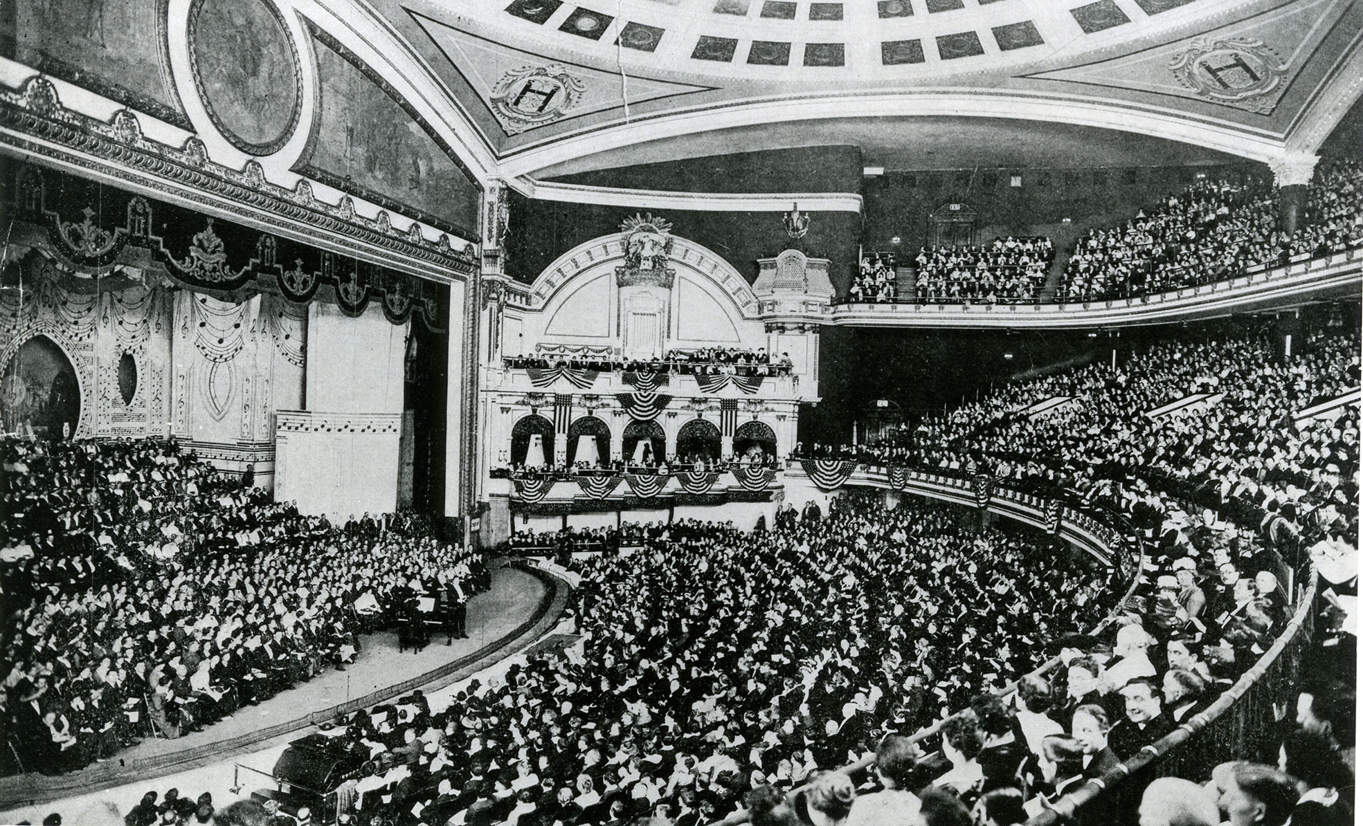 Los espectáculos de Marceline eran el principal reclamo de uno de los escenarios más importantes del mundo, el Hippodrome de Nueva York, con capacidad para más de 5.000 espectadores.