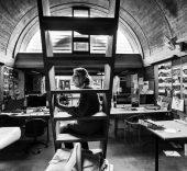 Doshi en su estudio, Sangath (Photo courtesy of VSF).