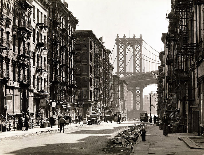 Pike and Henry Street by Berenice Abbott in 1936.