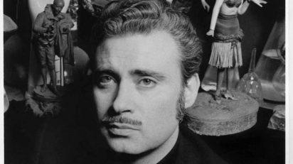 "Eugeni Forcano. Autorretrato en su estudio (detalle). Barcelona 1970. Etapa de reportero - revista ""Destino"" © Eugeni Forcano."