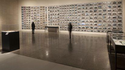 Vista de la exposición 'REGIÓN (Los relatos). Cambio del paisaje y políticas del agua' en el MUSAC.
